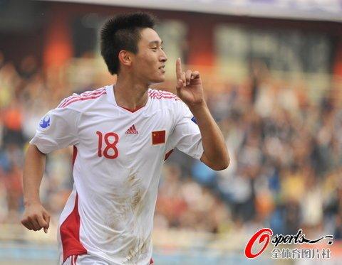 国青1-1泰国头名出线 郑凯木失误朱建荣救主