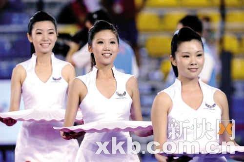 """广州亚运会有""""微笑姐"""" 深圳大运""""互动哥"""""""