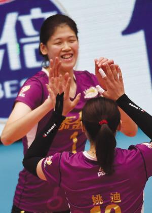 李盈莹轰出联赛最高分破朱婷纪录 签名签到手软