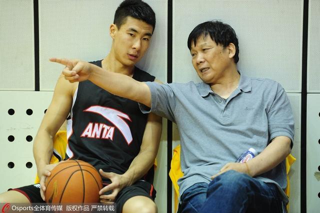 新华网:中国需更多王兴江 他为篮球牺牲自己