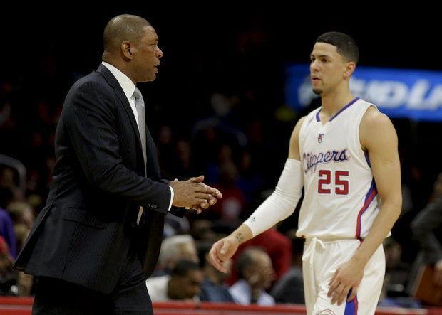 太子爷草率行为遭NBA调查 怒扔坐垫砸中女球迷