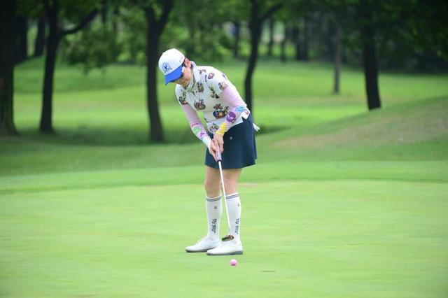 上海高尔夫大奖赛开杆 花式挑战赛高瑜夺第一