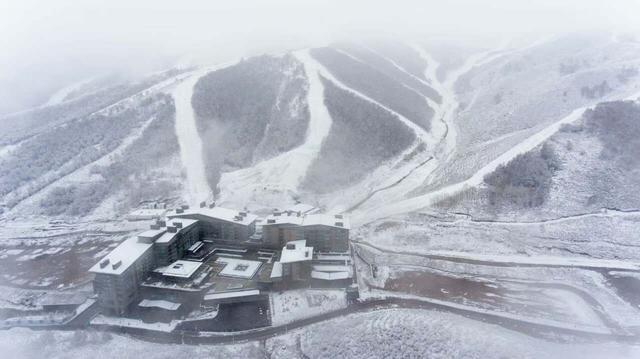 北京冬奥会延庆赛区降雪 小海陀积雪达7厘米