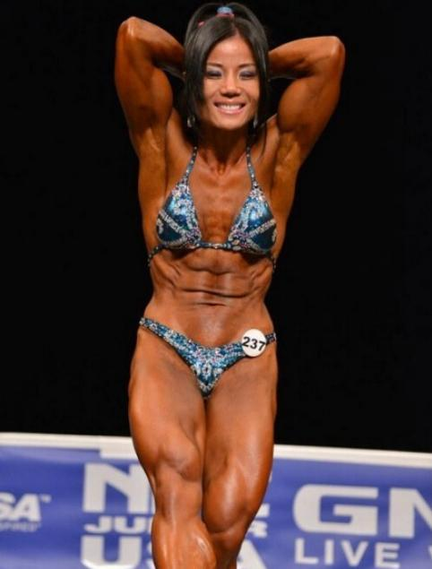 温州女子苦练健身9年 获美国健美小姐冠军