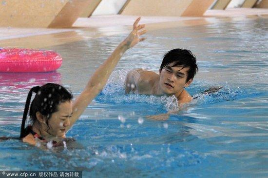 孙杨承认已有女友:报道太夸张 盼给私人空间