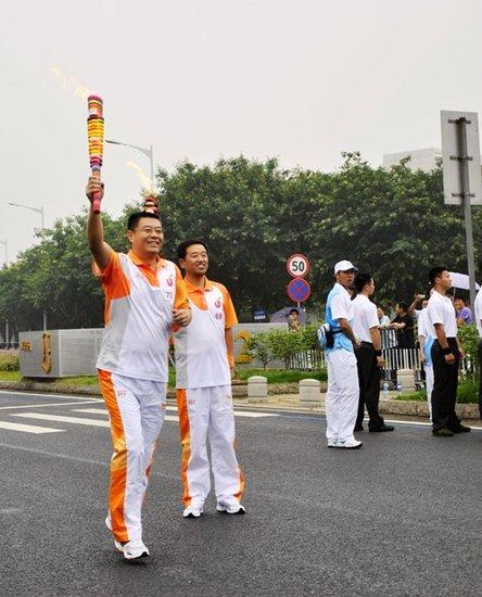 金威啤酒刘国斌:参加火炬传递让我更有活力