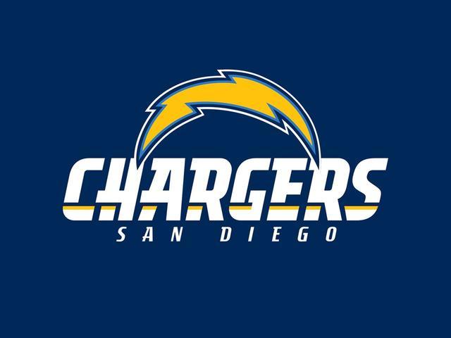 NFL Referee is not really mistaken for lightning still San Diego