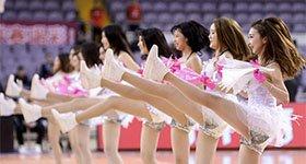 高清:篮球宝贝整齐高抬腿 短裙热舞诠释性感