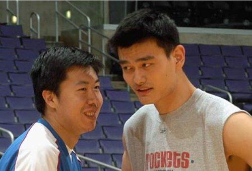 透过NBA看美国(16):姚明大郅的聚会(上)