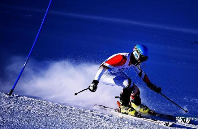 跨项跨界进行时 滑雪跨界初选队员开始触雪