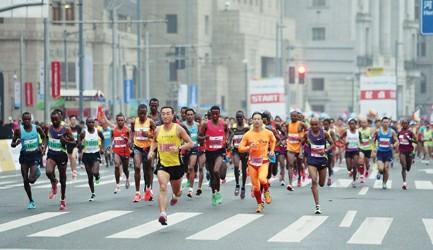 上海马拉松开赛时段或有零星小雨 温差较小