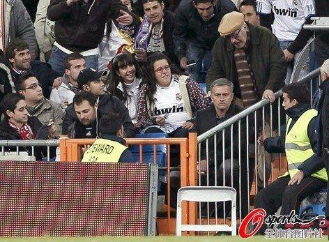 西足协宣布穆帅禁赛两场 狂人世纪大战可复出