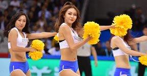 高清:篮球宝贝季前赛献热舞 青春阳光显活力