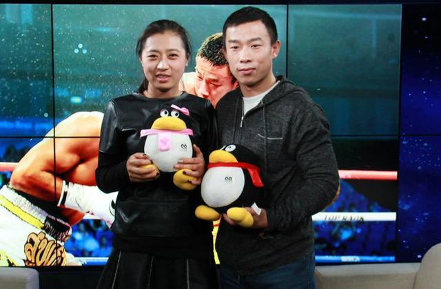 杨连慧妻子:见证他备战艰辛 盼赛后补办婚礼