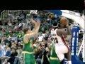 视频:无地自容 詹姆斯走四步上篮竟遭封盖
