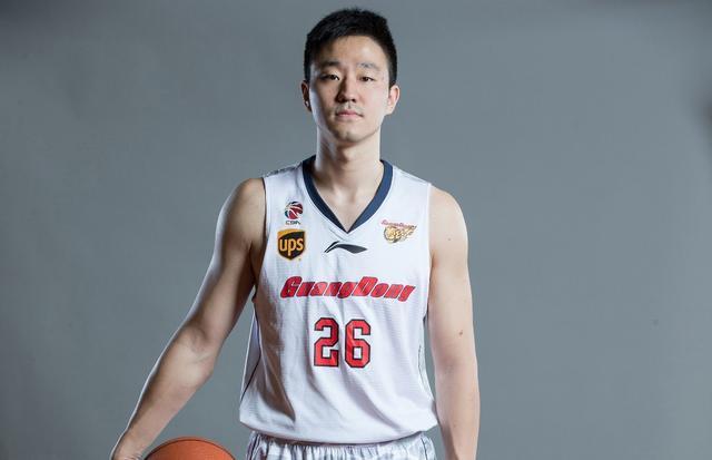 广东宣布95年小将转会 新赛季将代表广厦出战