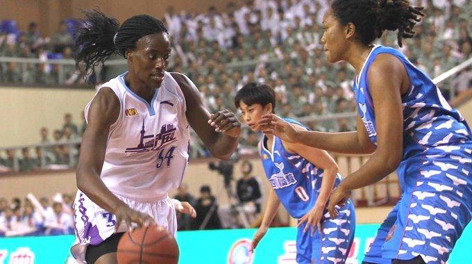WCBA揭幕战上海胜四川 福尔斯砍33+22
