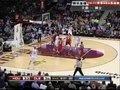 视频:火箭vs骑士 艾恩加助攻穆恩稳中三分