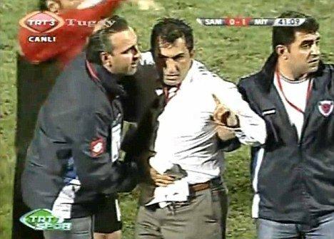 土耳其联赛又发惨剧 兄弟反目教练哥哥被捅伤