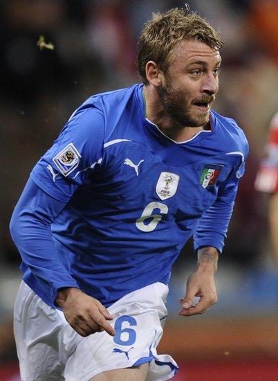 意大利欧预赛晋级之路:骚乱助力 豪取三纪录