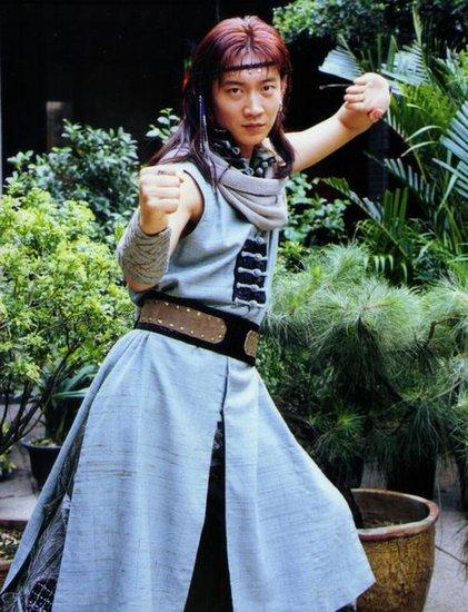 日本粉丝追中国武术教练 越洋追星婚礼送祝福