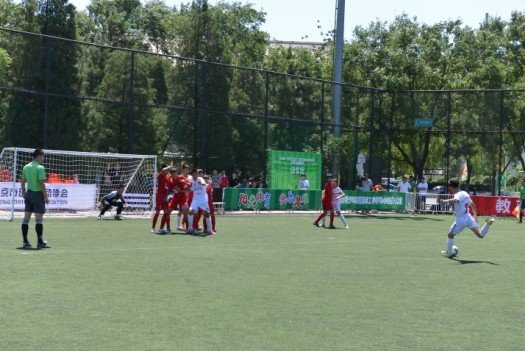 校园足球冠军杯8强出炉 卫冕冠军3战49球晋级