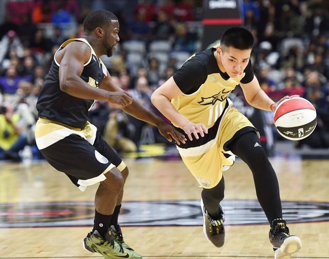 名人赛:吴亦凡6分7篮板 加拿大74-64胜美国