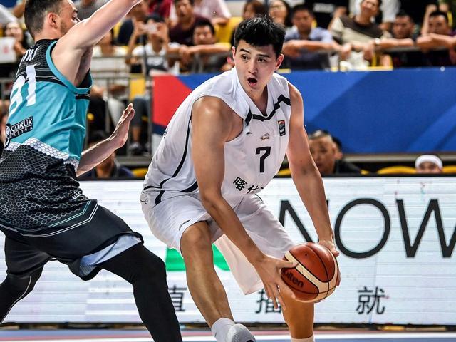 李秋平赞新疆内线悍将:他是球队篮下主攻点