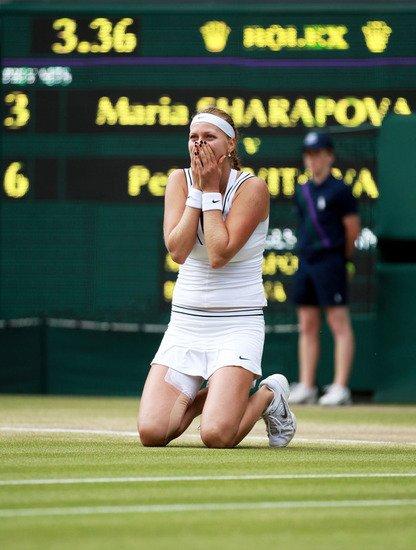 温网科维托娃横扫莎娃 摘90后首座大满贯冠军
