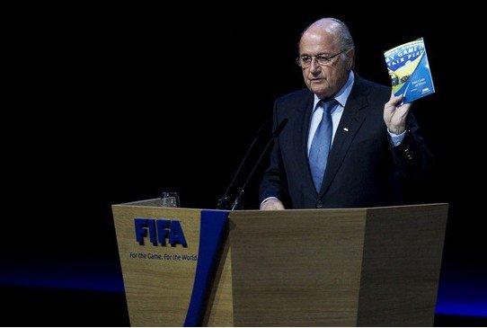 回首35年布拉特FIFA历程 新任期从泥潭中开始