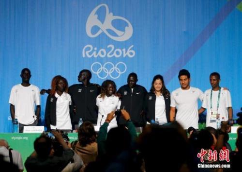 里约奥运难民选手:曾光脚练跑步 游泳可救命