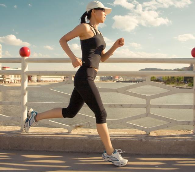 《跑步指南》书摘:有氧运动与无氧运动