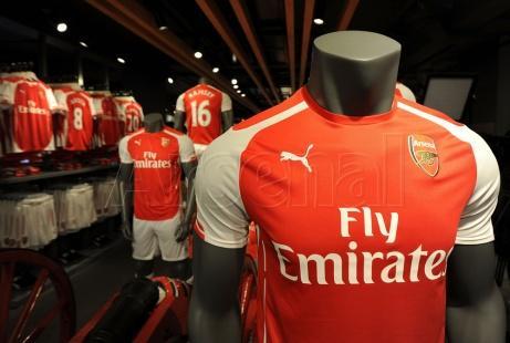 阿森纳与彪马揭晓三套新赛季球衣