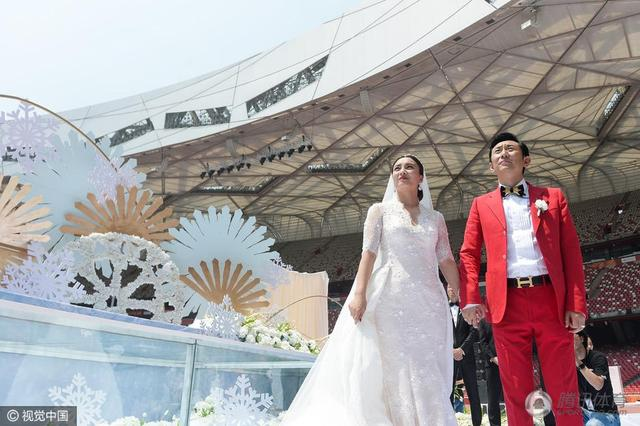 京媒:凭什么李妮娜有特权 在鸟巢办婚礼?