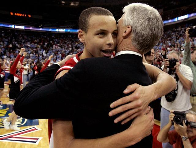 他曾被父亲逼哭遭遍冷眼 变NBA史上最励志MVP
