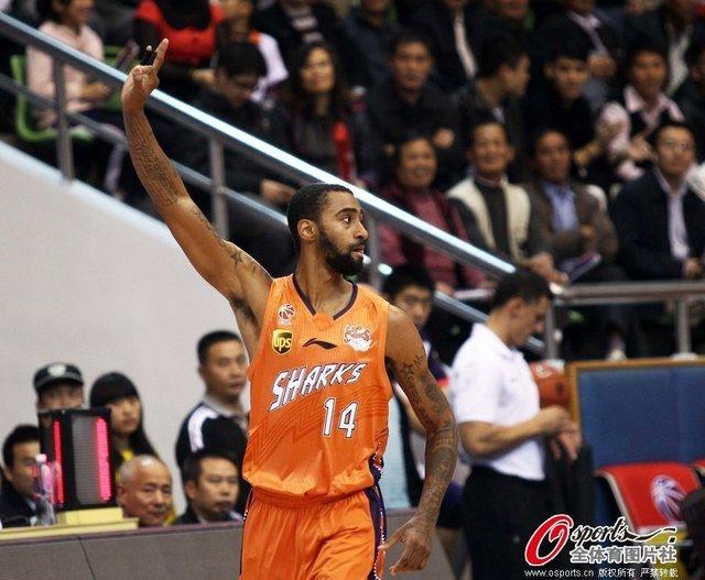杜比低迷仅18分 上海14分负东莞五连胜遭终结
