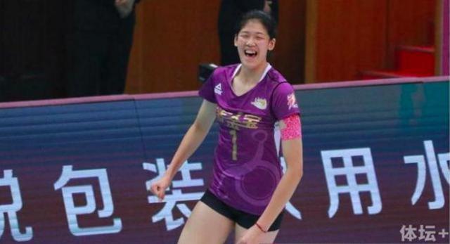李盈莹砍45分创排超新纪录 17岁已具一流攻手能力