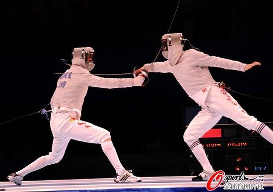 女子花剑决赛中国摘银牌 2天3次抗韩全部落败