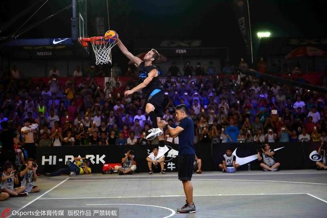 高中体育640_426法制a高中与篮球板报图片