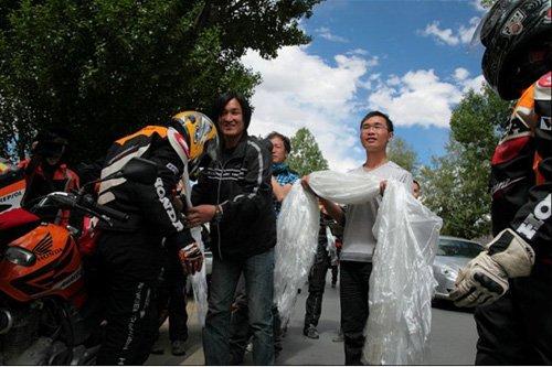 新蜂女子摩托车队 历经无数险阻成功抵达西藏