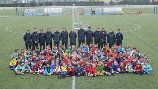 巴塞罗那培训计划 感受足球的训练乐趣