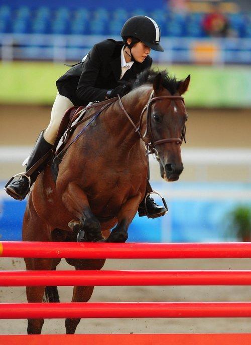 北京马术大师赛鸟巢收官 中国最好骑手排第五