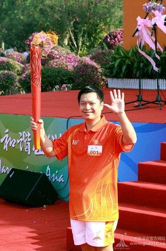 袁晓超教练也是传奇 他曾夺中国武术亚运首金
