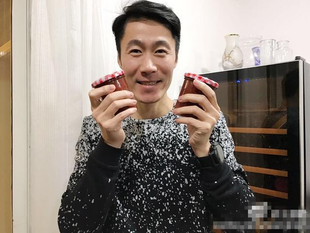 前国乒王励勤正式荣升奶爸行列 网友:保密工作太到位