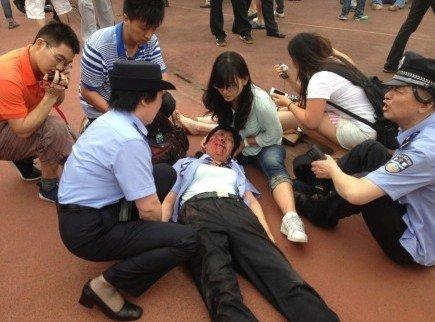小贝访同济大学引踩踏事故