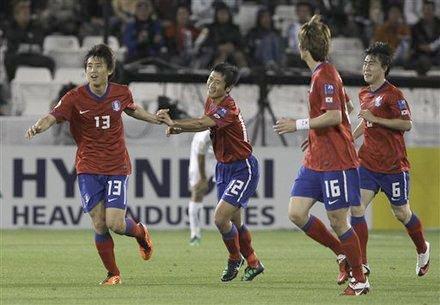 亚洲杯-韩国3-2乌兹获季军 具滋哲个人第5球