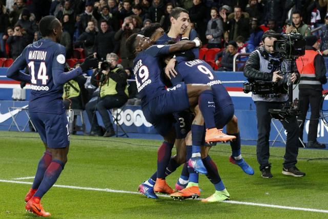 法甲-巴黎2-1胜里尔仍居次席 卡瓦尼小鹿建功