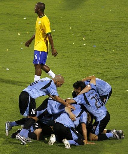 巴西梦魇来了! 曾被乌拉圭3年2度逼上点球战