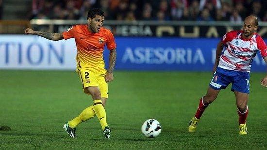 丹尼-阿尔维斯:在梅西身边踢球使你心态平和