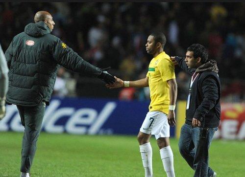 梅帅叹结果对巴西不公 罗比尼奥:点球白练了